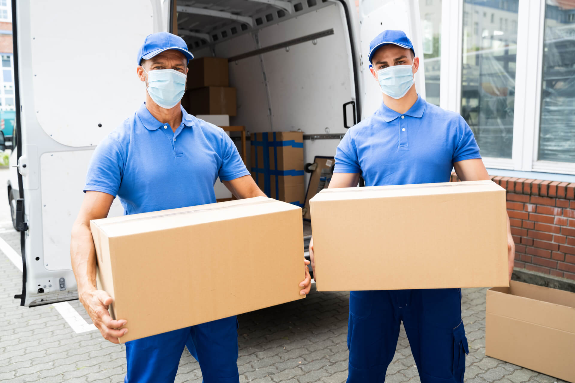 Professional Movers In Dallas Wearing Masks